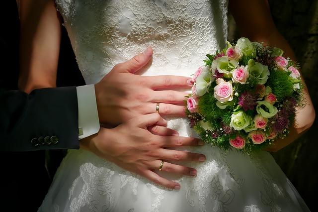 nevěsta a kytice