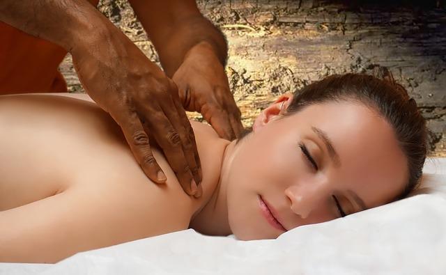 provádění masáže